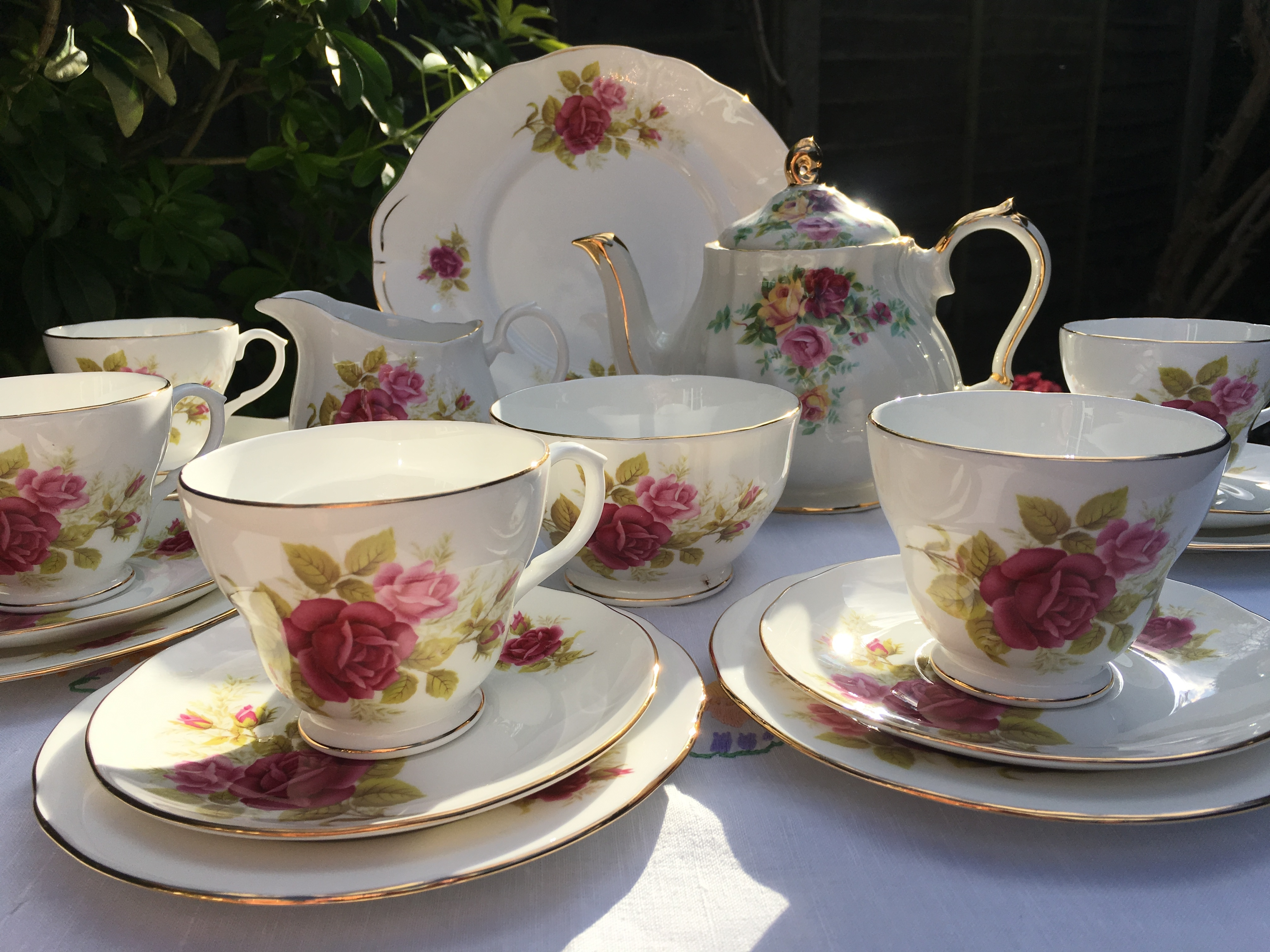 Duchess teaset with Sadler teapot