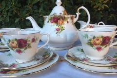 Royal Albert teapot with Duchess teaset